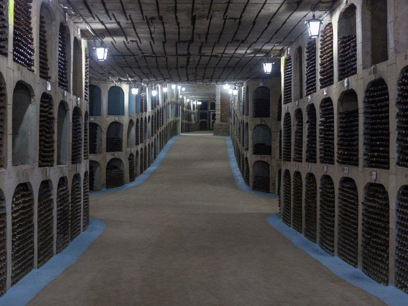 La bodega de vino mas grande del mundo esta en Moldova