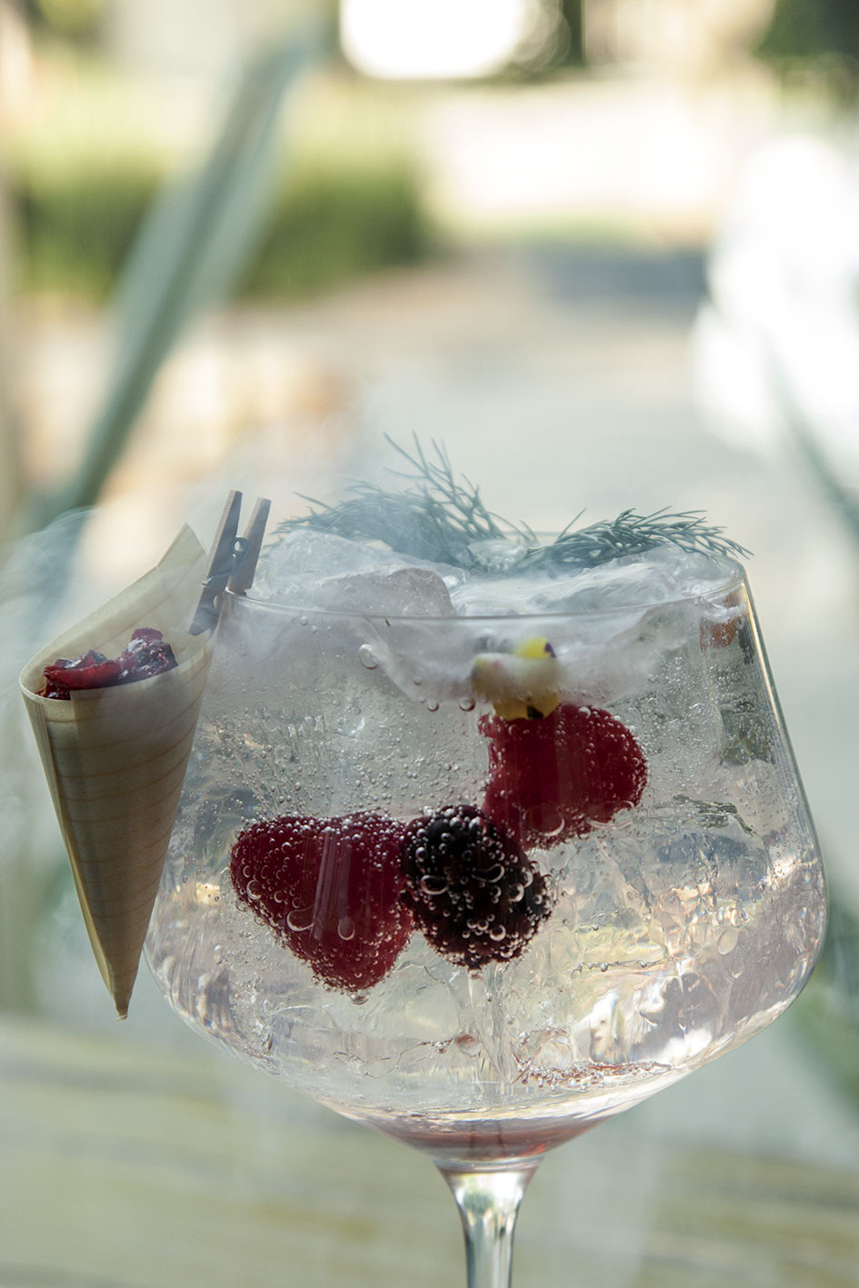 gin tonic rosa negra
