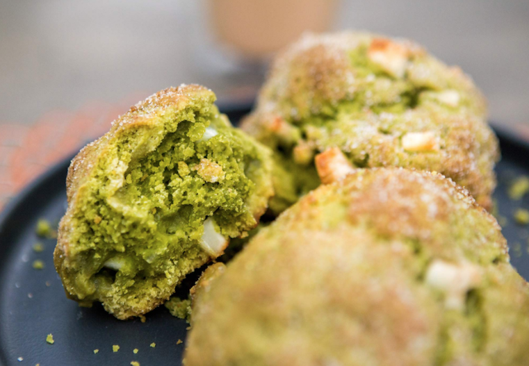scones pan matcha