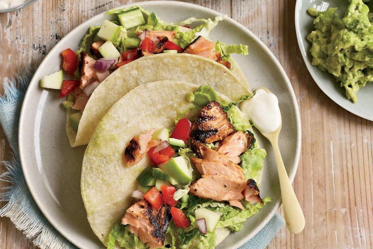 tacos de salmón con chipotle
