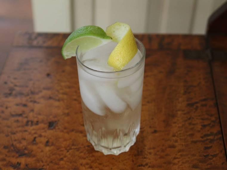 gin tonic oporto blanco