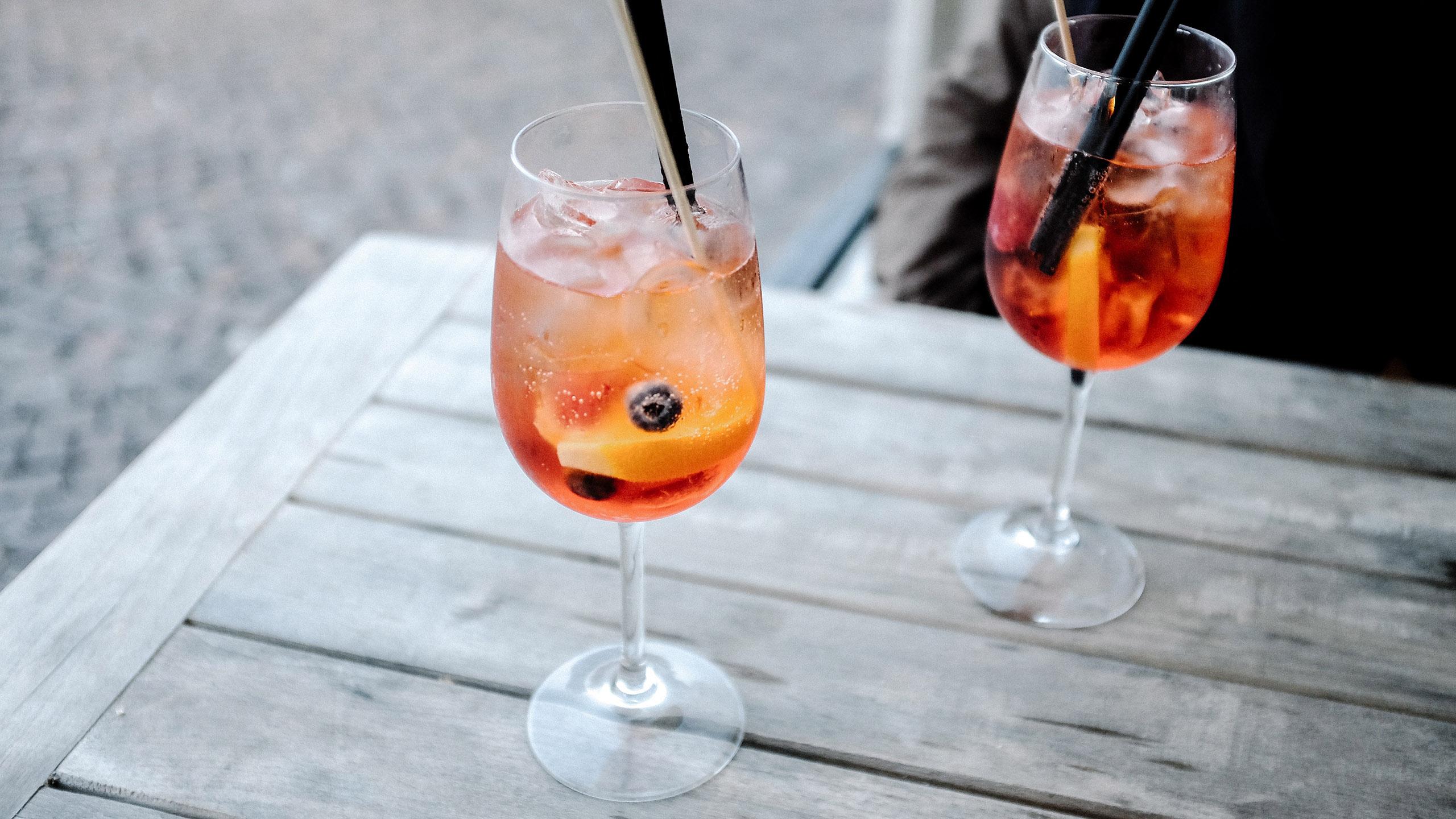 rosé y aperol se unen para la bebida del 2019