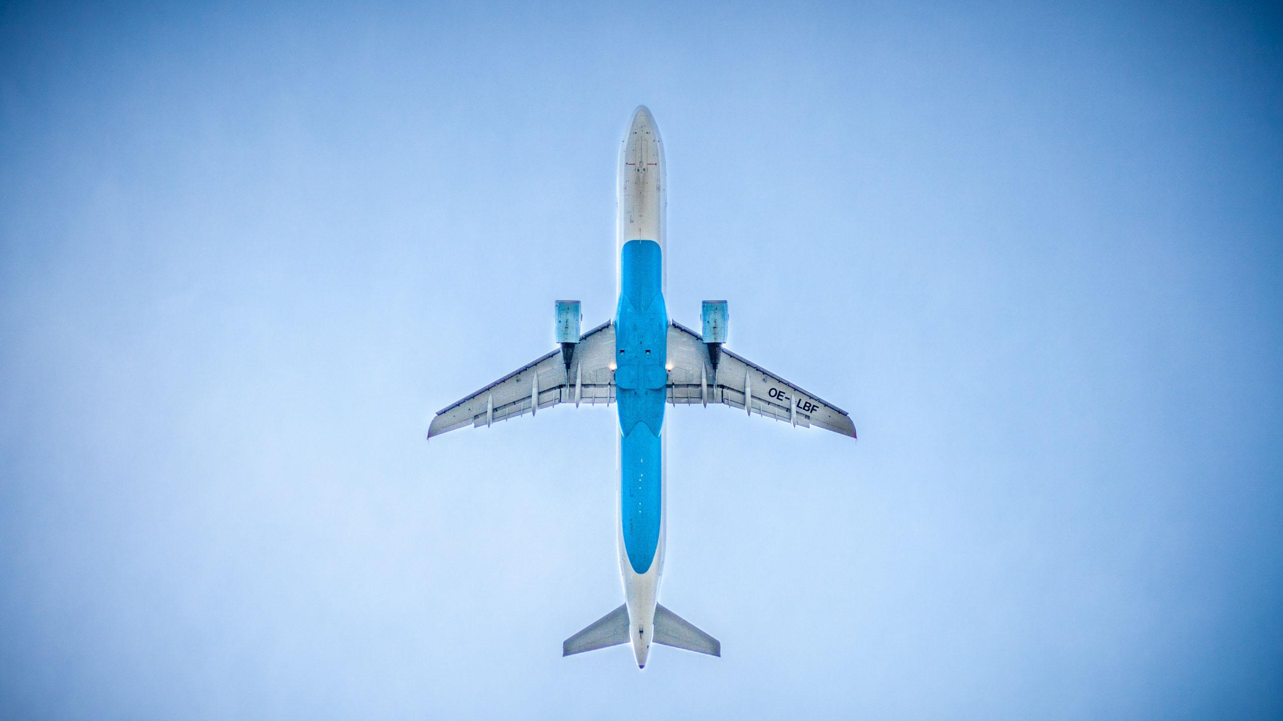 Hi Fly es la aerolínea con el primer vuelo sin plástico