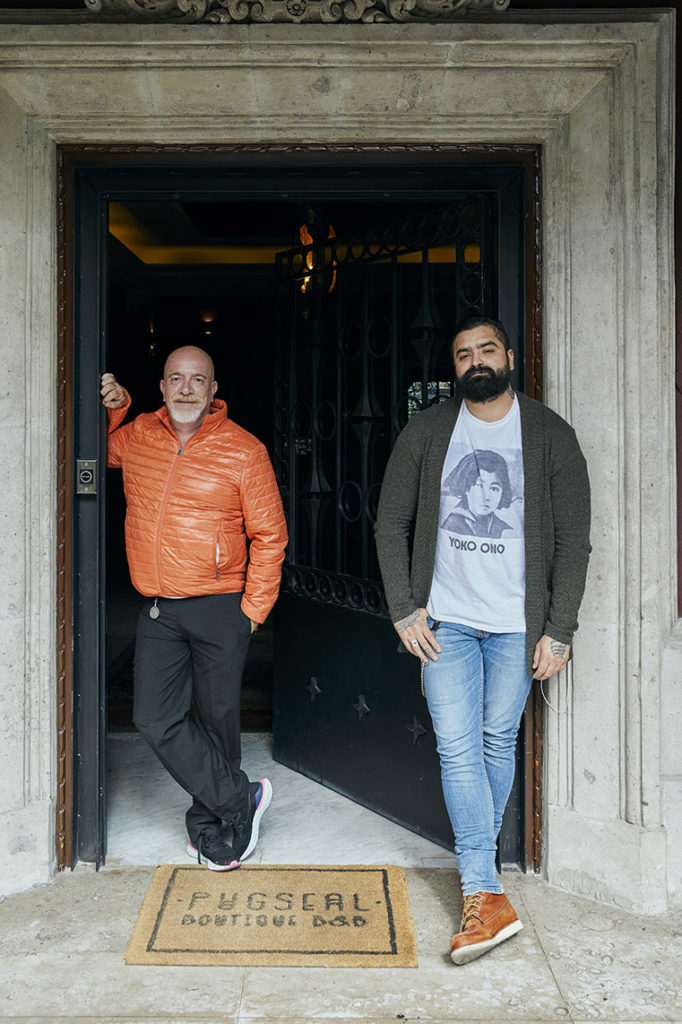 pug seal, Gerardo Vázquez Lugo y Francisco Ruano