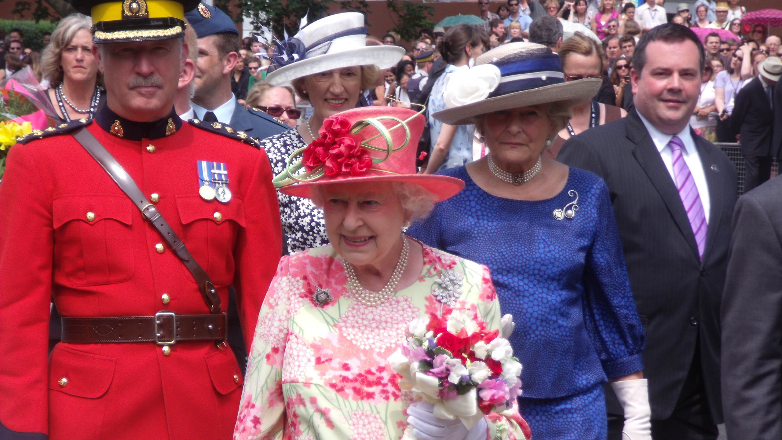 Reina Isabel II, Reina Isabel