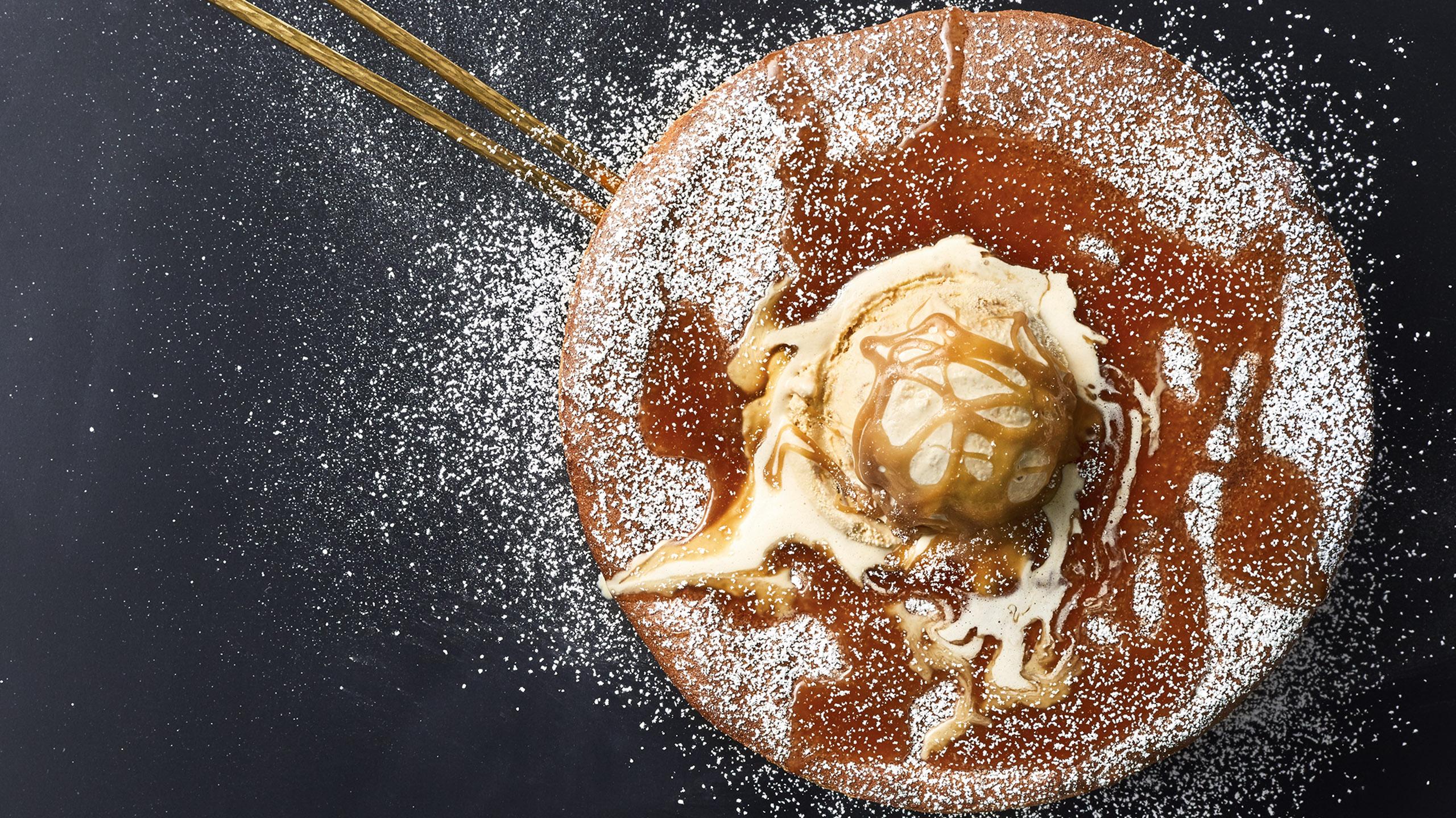 Hot cake austriaco con manzana