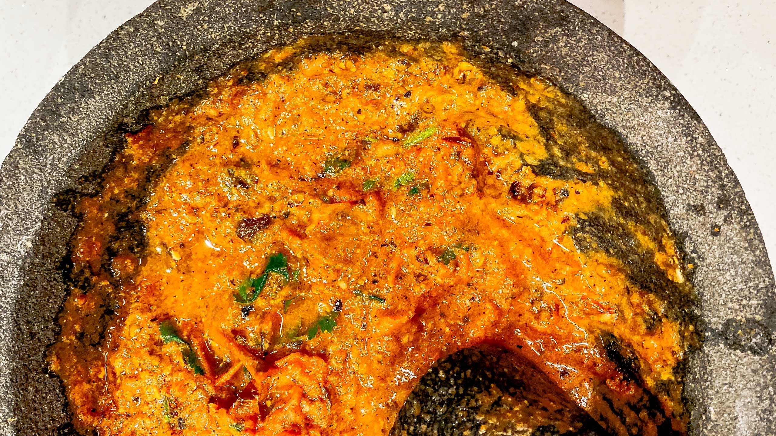 molcajete, salsa molcajeteada, receta de salsas