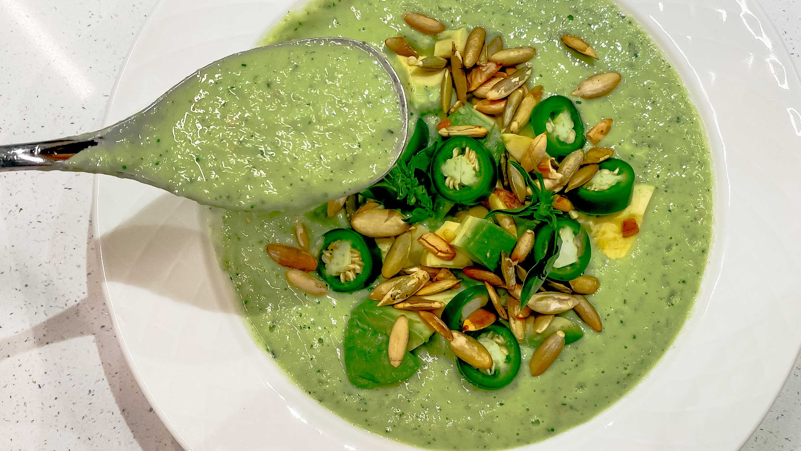 salsa verde, receta salsa verde con aguacate