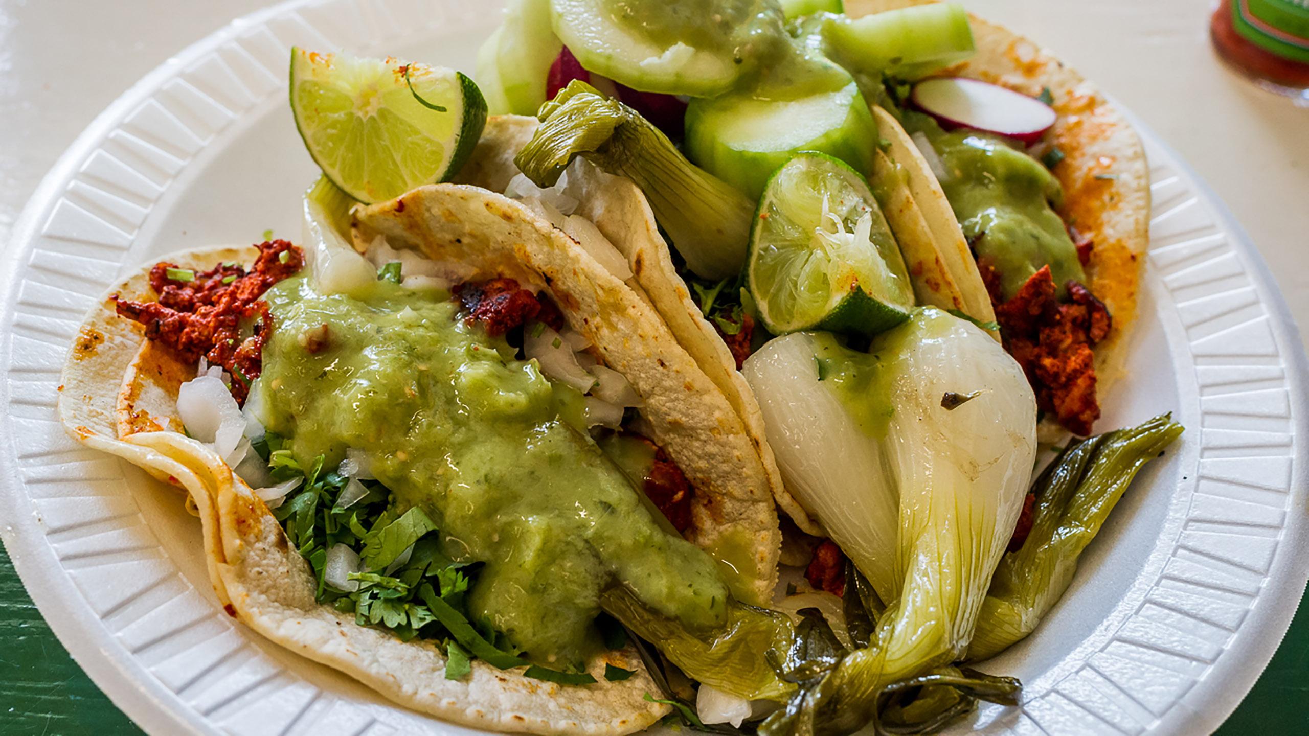 taco, salsa verde, falso guacamole