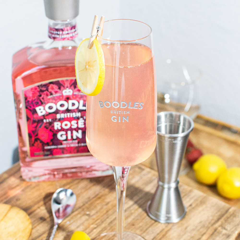 coctel rosa boodles rose gin
