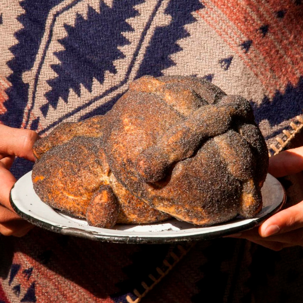 Pan de muerto negro rosetta totomoxtle