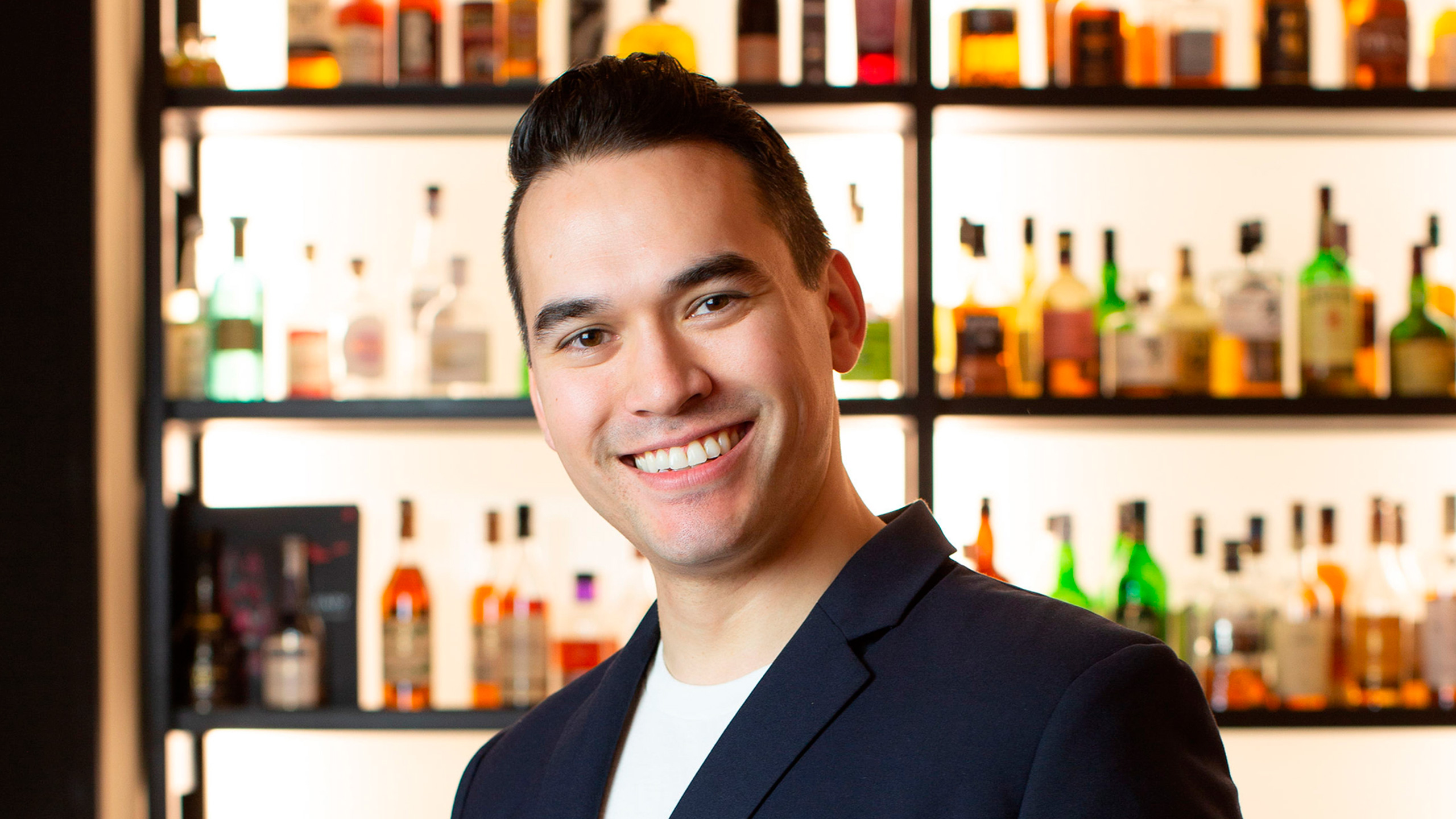 Jonathan Lind, bar manager, covid