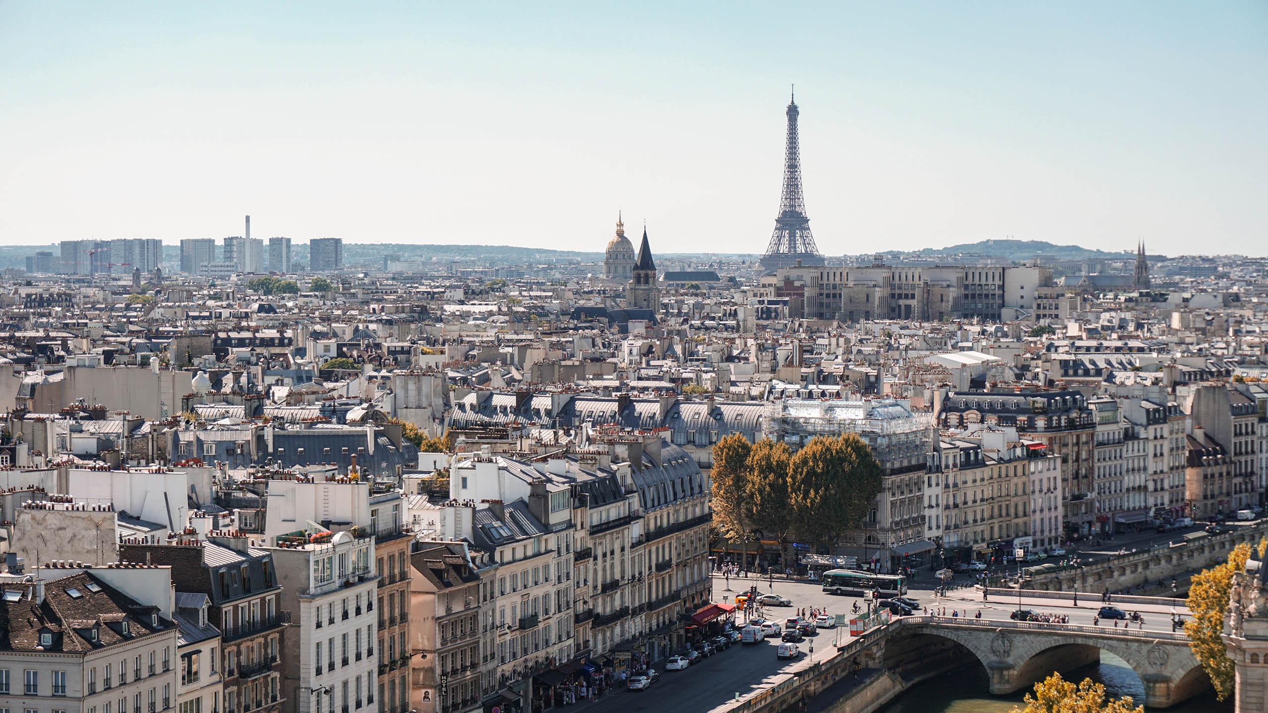 Paris, Francia, confinamiento, cierre de cafeterías, coronavirus