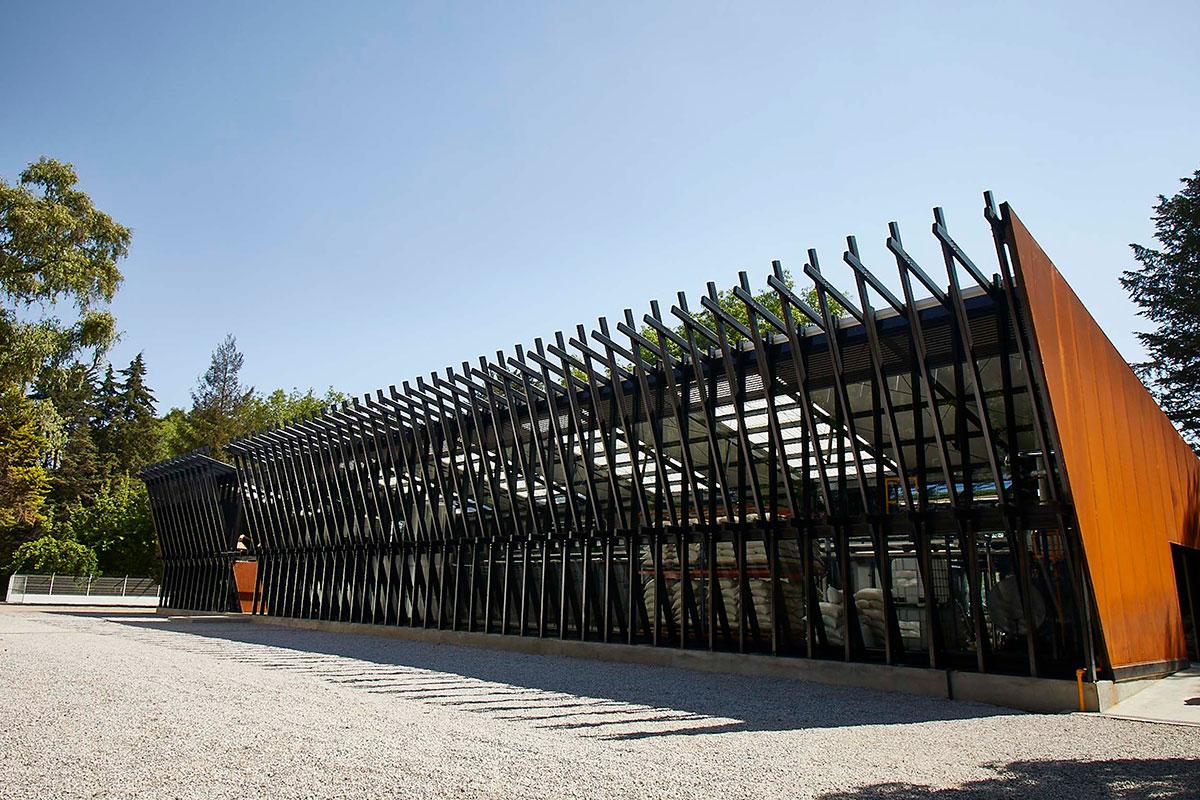Destilería Abasolo, en Jilotepec Estado de México, diseñada por Lorenzo Álvarez