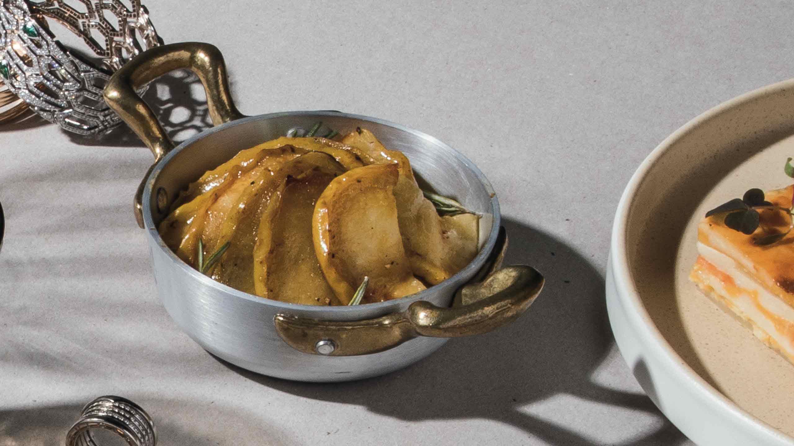 Manzanas caramelizadas con romero