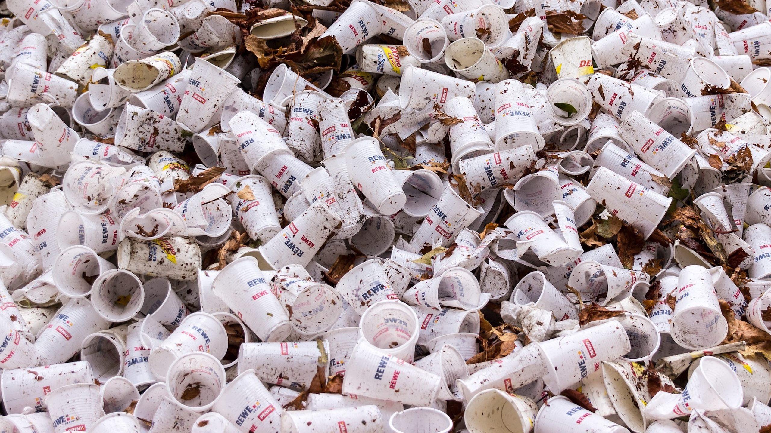 plastic-cups-plastico-desechable