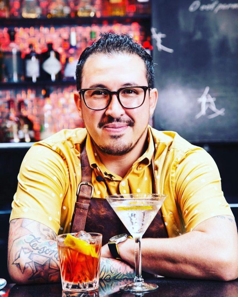 Ricardo Sandoval- Chivas Regal Extra 13