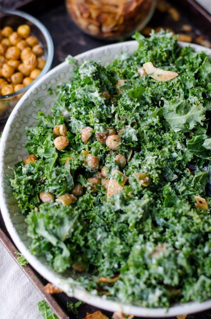 ensalada de kale y garbanzo