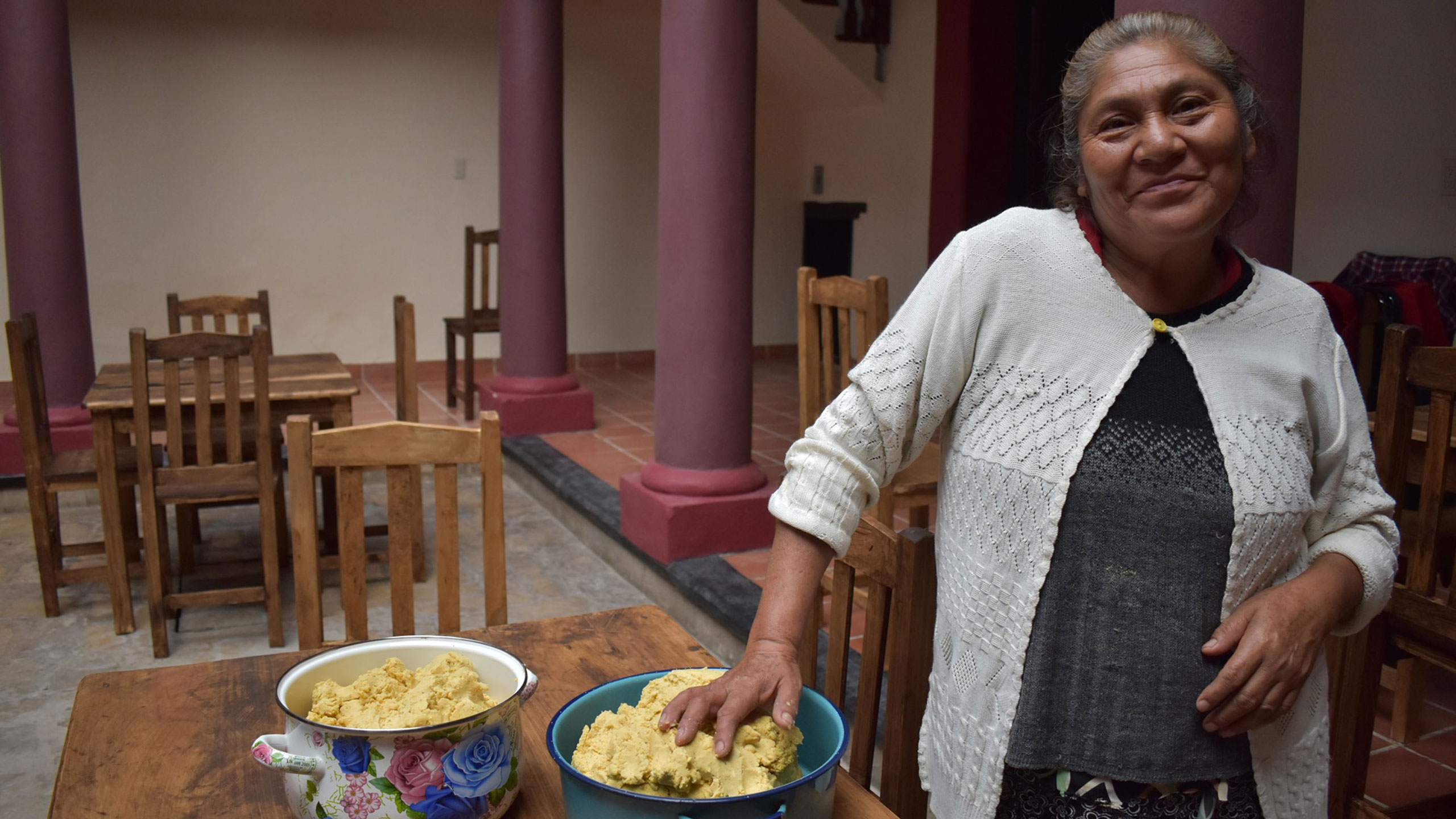 mujeres-indigenas-restaurante-chiapas